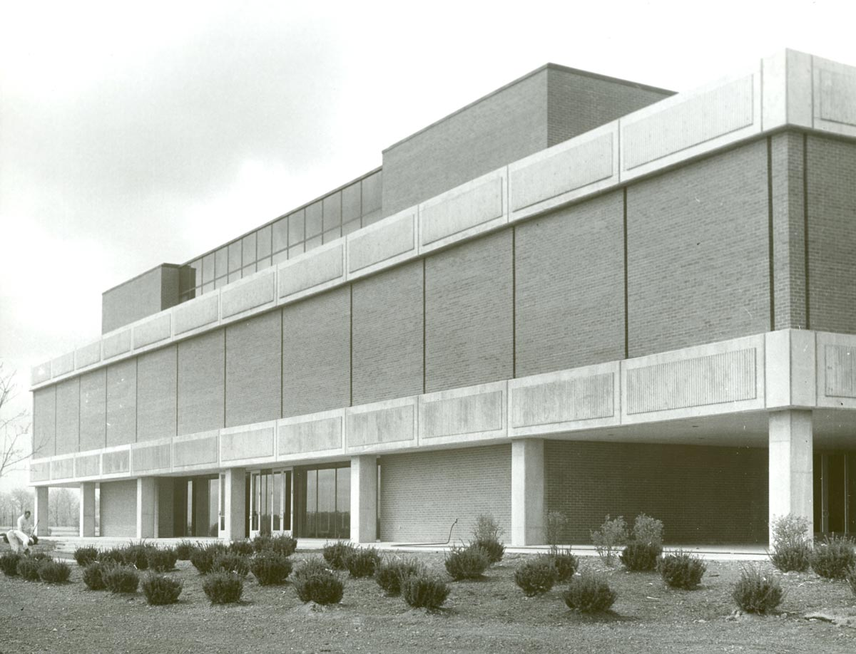 An exterior photo of a building on the Ohio State Marion campus